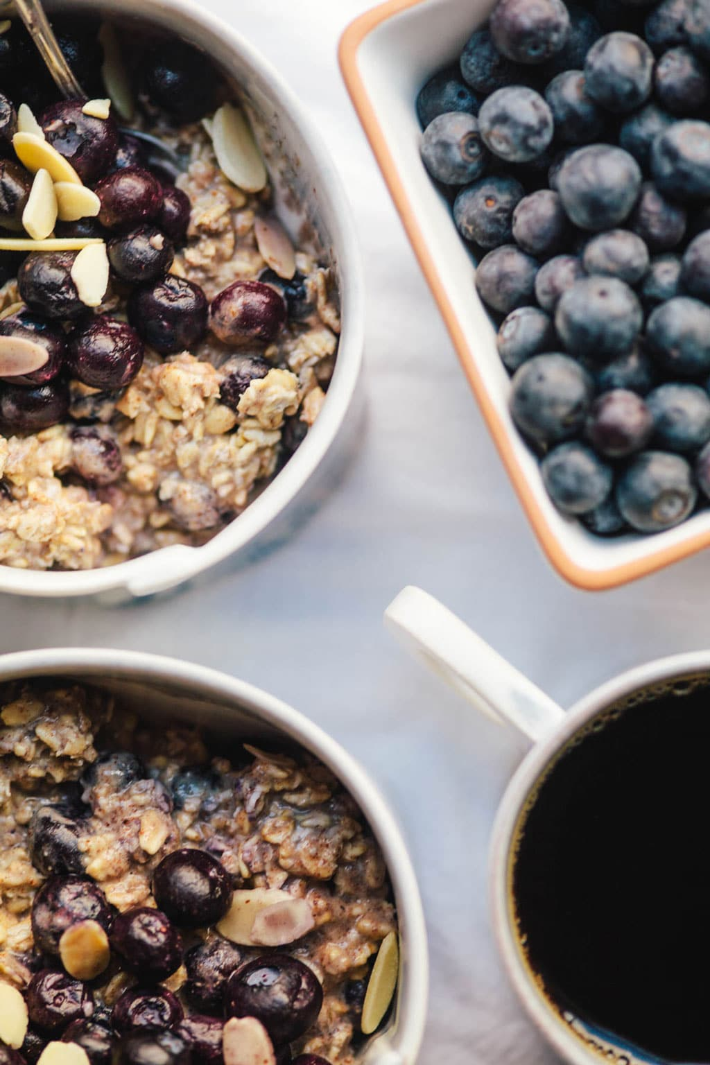 Blueberry Almond Overnight Oats | Brewing Happiness
